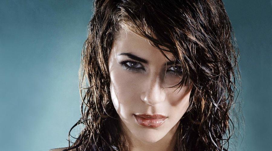 Вечерняя прическа «мокрые волосы»