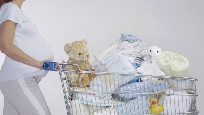 0e15c634e33c44b1bc49ae7aa05d8253 696x392 - Подготовка дома для новорожденного. Список приданного