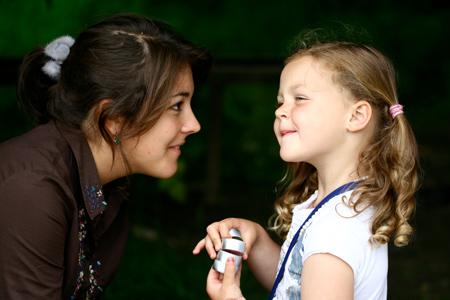 Воспитание приемного ребенка: зачем нужна помощь психолога?
