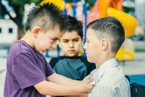 Как перевоспитать ребенка хулигана?