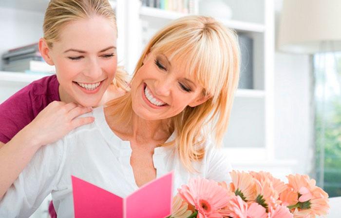 10 идей подарка на 8 марта, которые подойдут для девушек, мам и бабушек