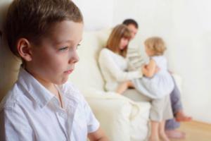 Дети-любимчики и то, какие могут быть последствия