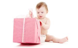 Что подарить ребенку на годик