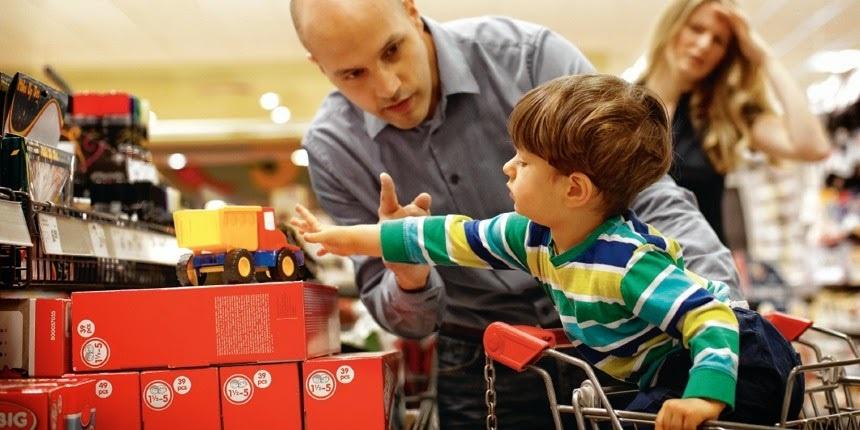 Как правильно отказать ребенку в покупке