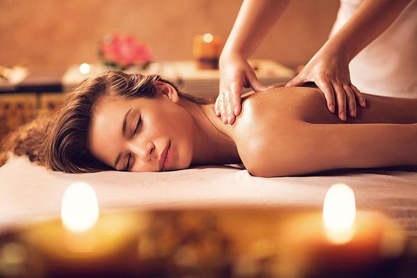 Популярные спа-процедуры в салонах_массаж