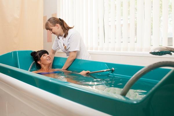 Популярные спа-процедуры в салонах_гидротерапия