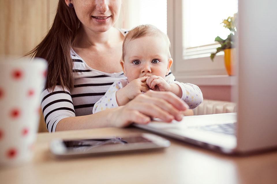 Какая работа идеально подходит для мамы с ребёнком?
