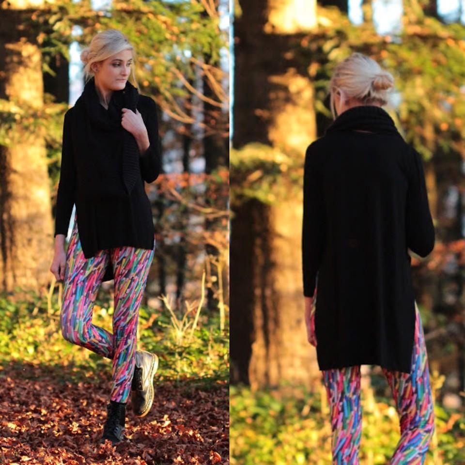 яркий леггинс и удлиненный черный свитер