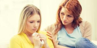 Как успокоить подругу в трудной ситуации